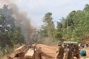 Đắk Lắk: Bắt giữ 5 xe công nông chở hàng chục khối gỗ lậu