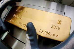 Đồng USD tăng giá đẩy giá vàng về đáy 2 tuần