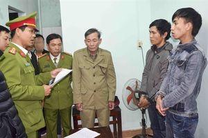 Hai tên nghiện vừa ra tù đã đi cướp giật hàng chục triệu đồng giữa phố