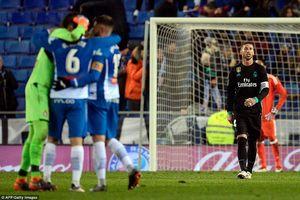 Real thua đau đớn trước Espanyol trong ngày vắng Ronaldo