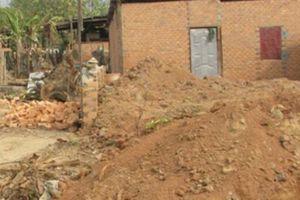 Đắk Lắk: Hiệu trưởng lấn chiếm đất công, xây nhà trái phép