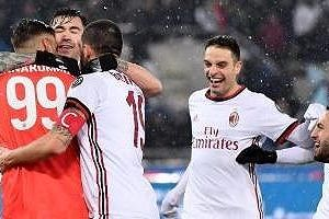 Sau 14 quả luân lưu, Milan loại Lazio để vào chung kết với Juventus
