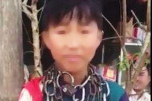 Trộm 2 chỉ vàng, thiếu niên bị bà nội dùng xích sắt quấn cổ