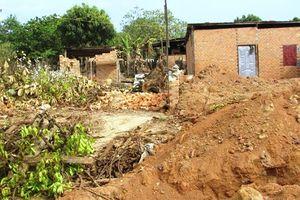 Đắk Lắk: Hiệu trưởng lén lút xây nhà trái phép trong đêm