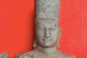 Phát hiện Tượng thần Vishnu khi đi cắt cỏ
