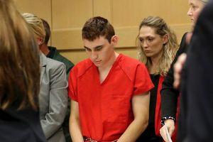 Tiết lộ rùng mình về vũ khí của nghi phạm xả súng trường học Florida
