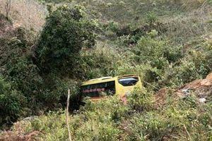 Xe khách lao xuống vực sâu ở Kon Tum là xe dù'