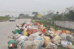 Nghệ An: Ngổn ngang rác thải đường du lịch sinh thái