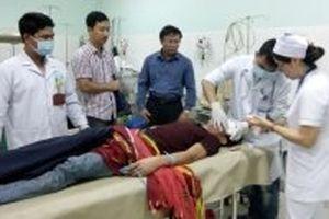 Xe khách lao xuống vực sâu, nhiều người bị thương nặng