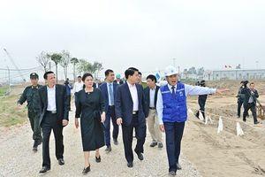 Chủ tịch Hà Nội kiểm tra tiến độ dự án Nhà máy nước Sông Đuống