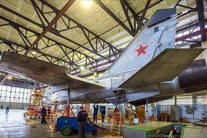Kinh ngạc cách Nga hồi sinh MiG-31 từ 'nghĩa địa máy máy'