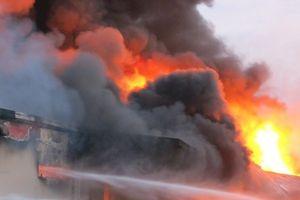 Giải mã nguyên nhân hàng loạt vụ cháy các công ty gỗ tại Bình Dương