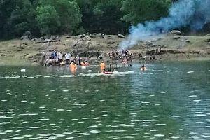 Học sinh lớp 5 chết đuối thương tâm khi tắm hồ