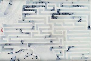 Mê cung bằng tuyết rộng hơn 2.500 m2