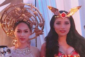 Hương Giang Idol lộng lẫy bên dàn mỹ nhân Hoa hậu chuyển giới