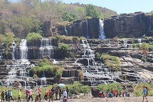 Trượt chân ở thác Pongour trong ngày lễ hội, một thanh niên tử vong