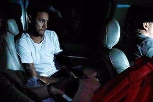 Bắt vít vào xương chân, Neymar chờ 6 tuần mới biết ngày trở lại