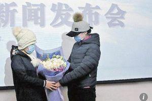 Người mẹ hiến tặng tử cung cho con gái để sinh con