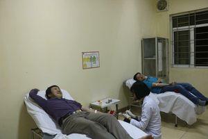 Vượt 200km trong đêm, hiến máu cực hiếm giúp cứu sống bệnh nhân nguy kịch