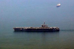 Những hình ảnh đầu tiên của 'Đại bàng Vàng' USS Carl Vinson tại Đà Nẵng