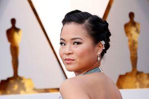 Vì sao diễn viên gợi cảm gốc Việt được chú ý trên thảm đỏ Oscar?