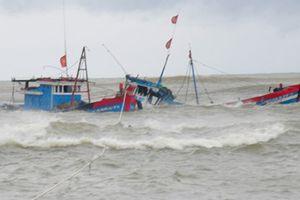 Tàu chở 7 ngư dân ra biển đánh cá bị mất liên lạc