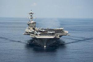 Đoàn cán bộ Việt Nam thăm tàu sân bay Mỹ USS Carl Vinson
