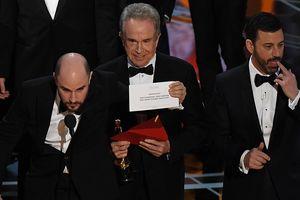 Những khoảnh khắc 'gây sốc' nhất trong lịch sử lễ trao giải Oscar