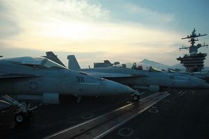 Cận cảnh 'niềm tự hào hải quân Hoa Kỳ' ở Đà Nẵng