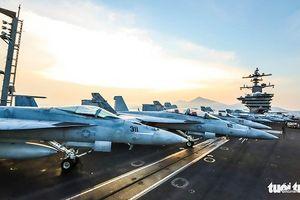 Bên trong 'đảo nổi' USS Carl Vinson trên vịnh Đà Nẵng