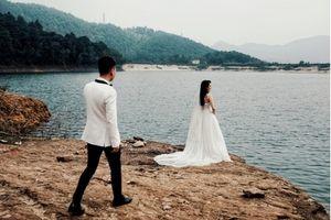 Hậu trường chụp ảnh cưới tình tứ của Khắc Việt và bạn gái DJ