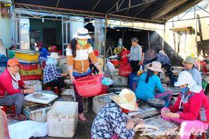 Quảng Nam: Khi phụ nữ làng biển lo cuộc mưu sinh
