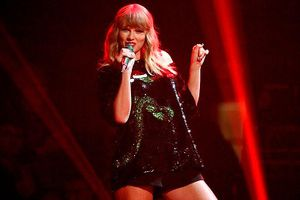 Tại sao nhiều huyền thoại âm nhạc không ưa Taylor Swift?
