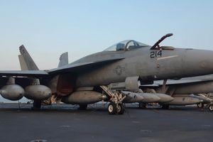 Ngắm 'đàn chim sắt' trên siêu hàng không mẫu hạm USS Carl Vinson