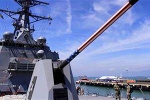 Cận cảnh khu trục hộ tống USS Carl Vinson ở Đà Nẵng