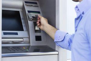 Gắn thiết bị đọc trộm thông tin tài khoản ATM chiếm đoạt hơn 1,5 tỷ đồng