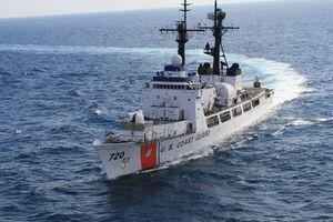 Việt Nam sẽ nhận tàu Hamilton thứ hai sau chuyến thăm của tàu sân bay Mỹ?