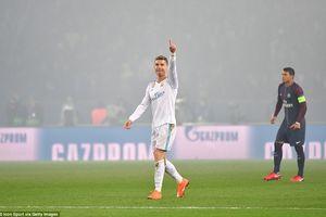 Ronaldo ghi bàn hạ PSG, Real thẳng tiến vào tứ kết