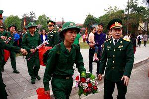 Tiễn thanh niên các dân tộc Lào Cai lên đường nhập ngũ