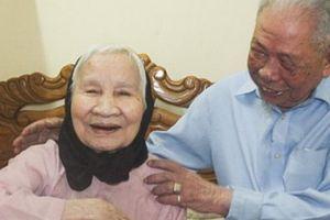 Chuyện tình cụ ông 94 và cụ bà 92: Day dứt một lần đánh vợ vì ghen