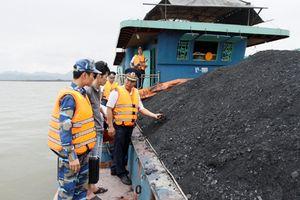 Cảnh sát biển: Bắt giữ gần 700 tấn than bất hợp pháp