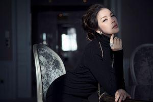 Lý Nhã Kỳ khoe đường cong quyến rũ trong bộ ảnh 8/3