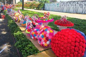 TPHCM: Phong phú thị trường quà tặng ngày 8.3