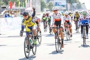 Vắng Nguyễn Thị Thật, Jutatip chiến thắng giải Biwase