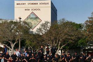 Mỹ: Bang Florida có thể cho phép giáo viên mang súng