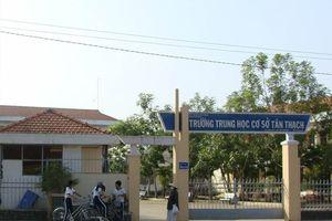 Bộ GD&ĐT chỉ đạo kiểm tra vụ học sinh lớp 8 bóp cổ giáo viên