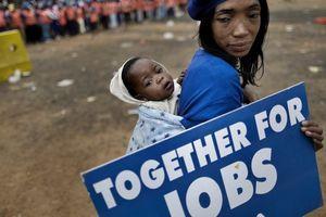 Phụ nữ toàn cầu vẫn đối mặt bất bình đẳng việc làm