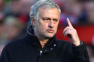 Mourinho 'kiếm thêm' mùa World Cup