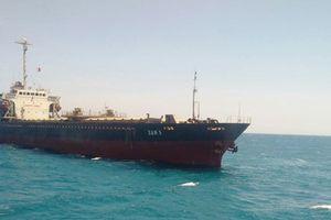 Cứu hộ thành công tàu vận tải mắc cạn trên vùng biển Bình Thuận