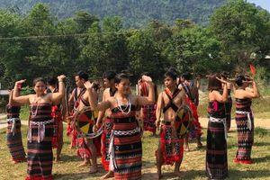 'Săn tìm kho báu' cùng người Cơtu ở miền tây Quảng Nam